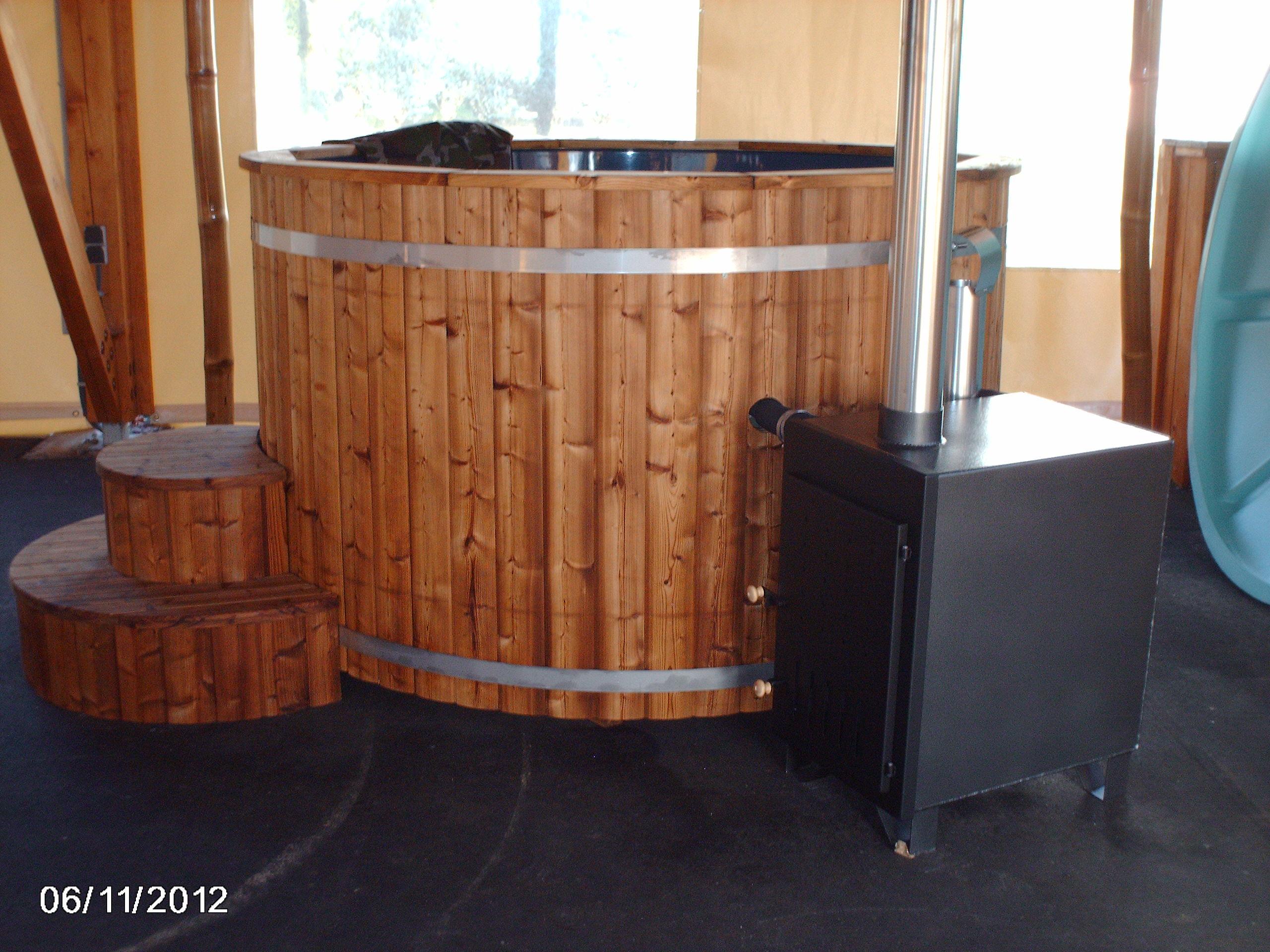 hll insolite une roulotte dans votre jardin ou camping kota original insolite. Black Bedroom Furniture Sets. Home Design Ideas